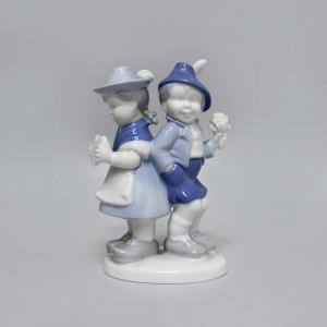 Статуэтка Мальчик с девочкой Gerold Porzellan. Германия