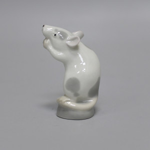 Статуэтка Мышь пятнистая на подставке. ЛФЗ