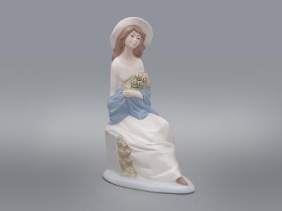 Статуэтка Девушка с букетом Mirmasu