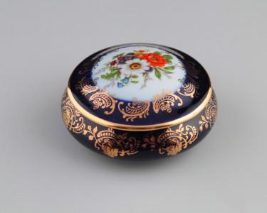 Шкатулка круглая limoges veritable porcelaine d'art. Франция